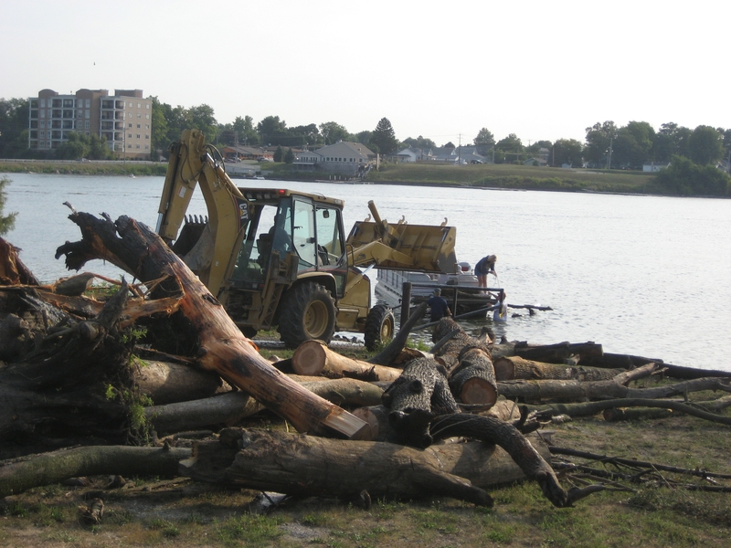 lake-clean-up-sept-2013-011