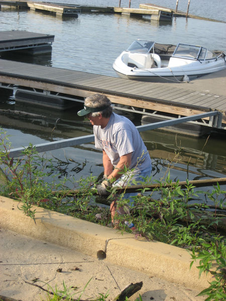 lake-clean-up-sept-2013-007